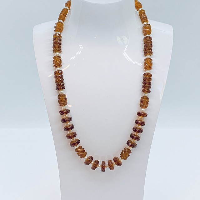AMBER AND PEARL NECKLACE