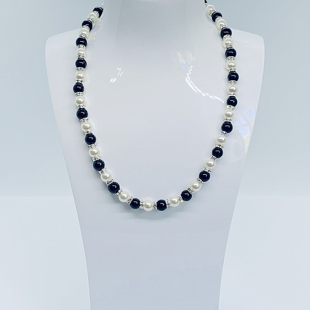 SWAROVSKI PEARL AND ONYX NECKLACE