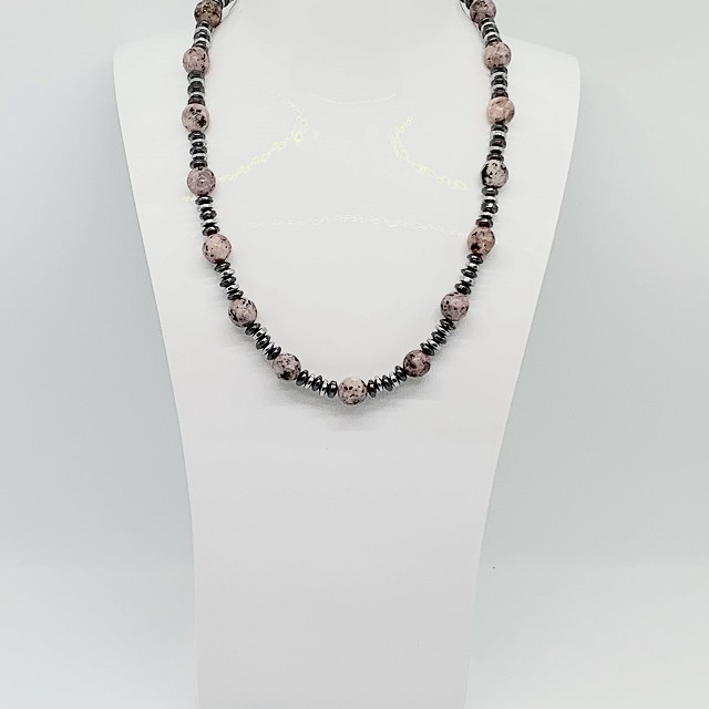 GRANITE AND METAL NECKLACE