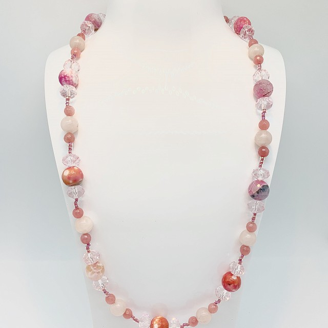 PINK GLASS AND QUARTZ NECKLACE