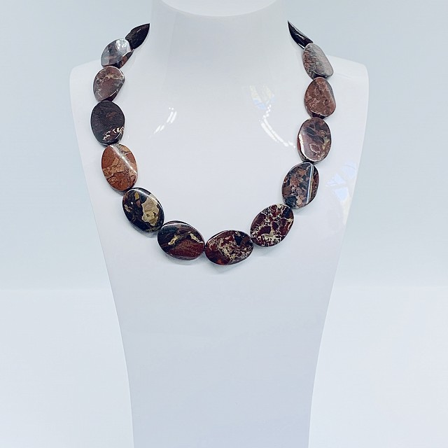 BROWN AGATE NECKLACE